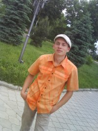 Антон Братцев